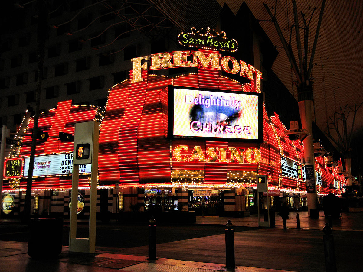 fremont_casino_on_empty_night
